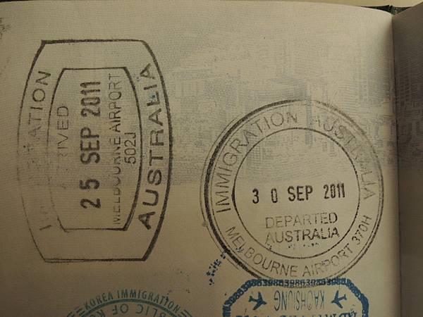 20110925 澳洲入出境章.JPG