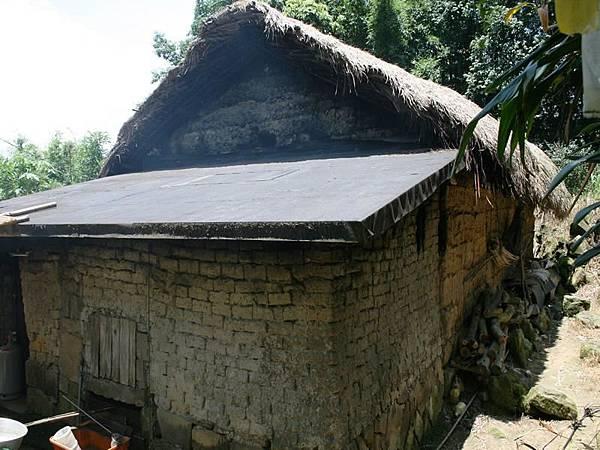 林家草屋 非常古早的房子還有在使用喔