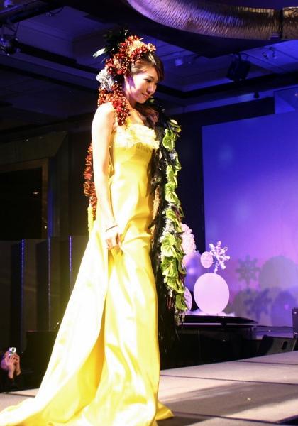 中華花藝設計協會~2009 銀冬耶誕派對 ~peter新娘捧花作品5 (4).JPG