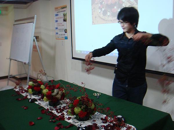 景文科大-餐桌花藝設計講座-李清海老師授課花絮 (17).JPG