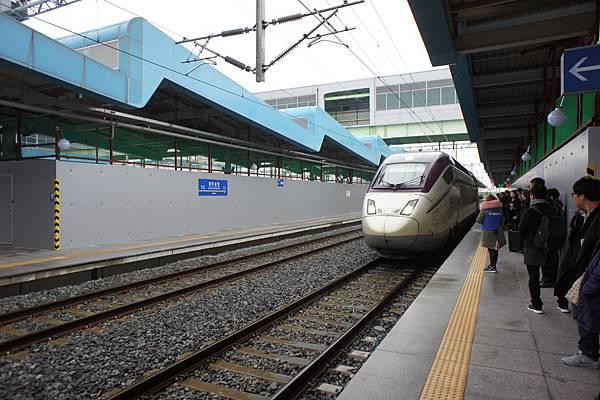 DSC06672韓國高鐵.jpg