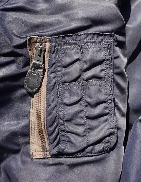 DSC02074側口袋.jpg