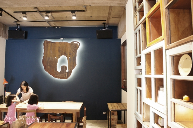 CAFE JUNKIES (3)