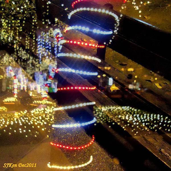2011-12-17  台北中銀總行耶誕光廊影像重疊06.jpg