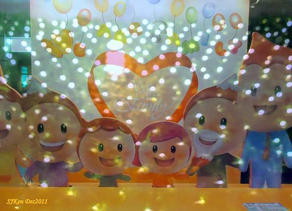 2011-12-17 台北中銀總行耶誕光廊影像重疊07.jpg
