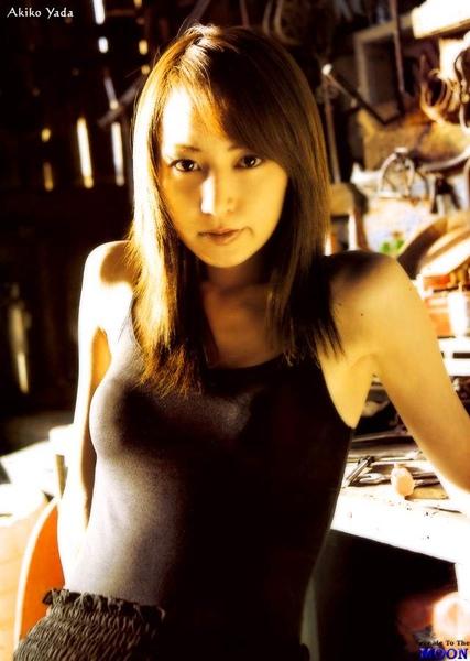 akiko_yada20040531a02.jpg