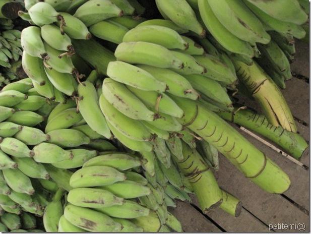 IMG_6051照刻痕計算價錢的香蕉