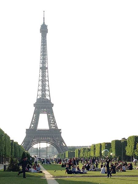 巴黎艾菲爾鐵塔01.jpg
