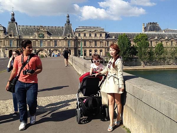 巴黎羅浮宮01.JPG