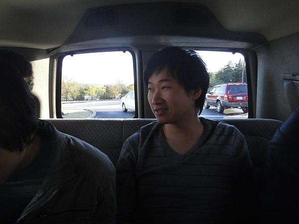 吉密在車上一直鬧我,照他還裝沒事