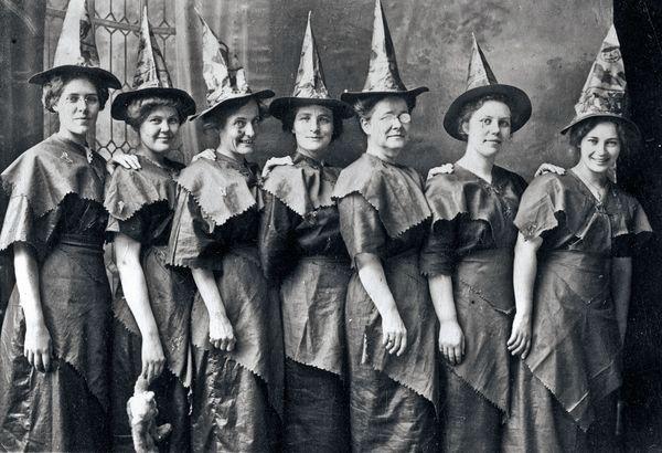 halloween-facts-history-myths_72905_600x450
