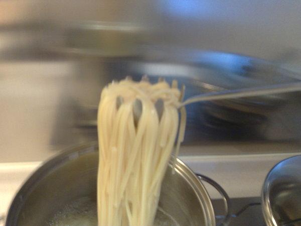 還滿方便的撈麵勺子