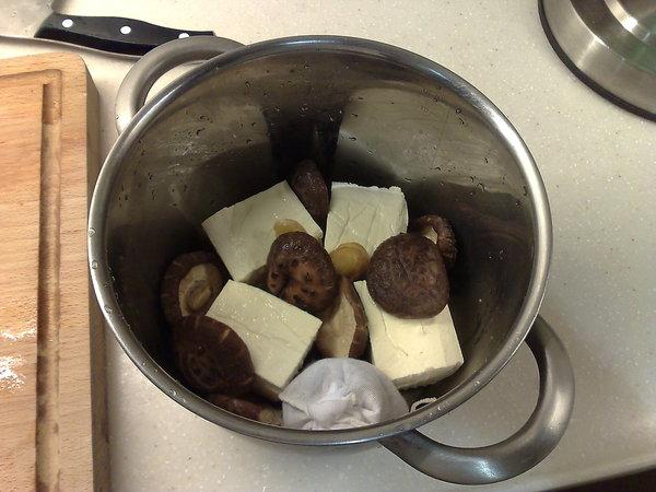 滷豆腐跟花菇.jpg