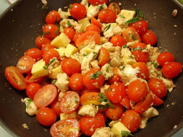 番茄乳酪色拉.JPG