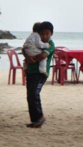 1155528985-hug