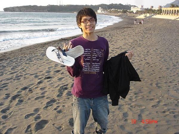 1759034570-_新_的海灘鞋.jpg