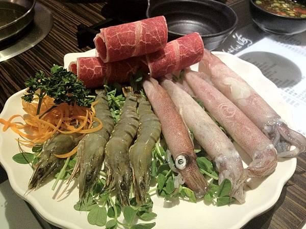 鮮蝦透抽牛肉