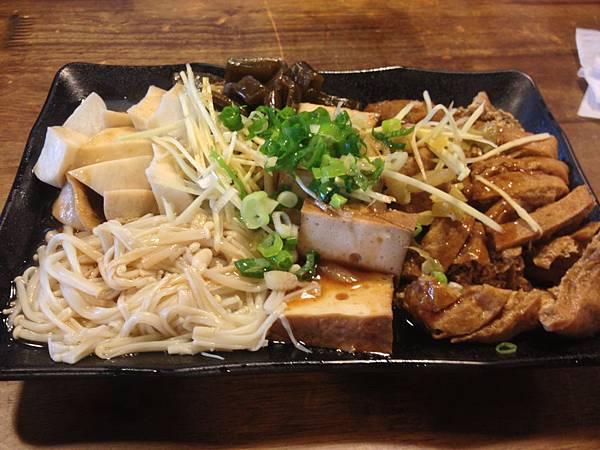 滷味拼盤(杏鮑菇、金針菇、海帶、花干、百頁豆腐)