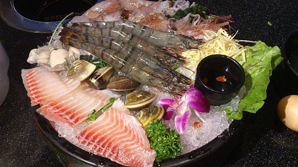 天鍋四號(大草蝦、魚片、蛤蜊、鮮蚵、小卷)