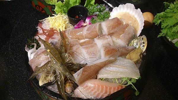 天鍋三號(大卷、魚片、蛤蜊、活蝦)