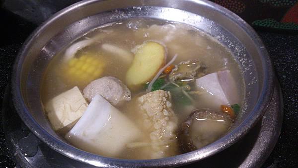 煮食中火鍋