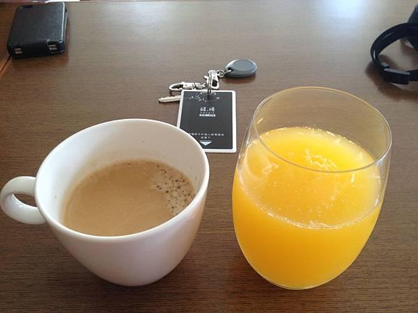 熱咖啡&柳橙汁