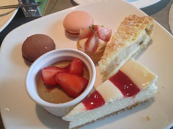 馬卡龍&蘋果塔&起司蛋糕&布丁