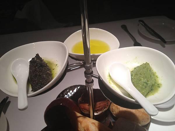 橄欖油&青豆泥&黑橄欖醬