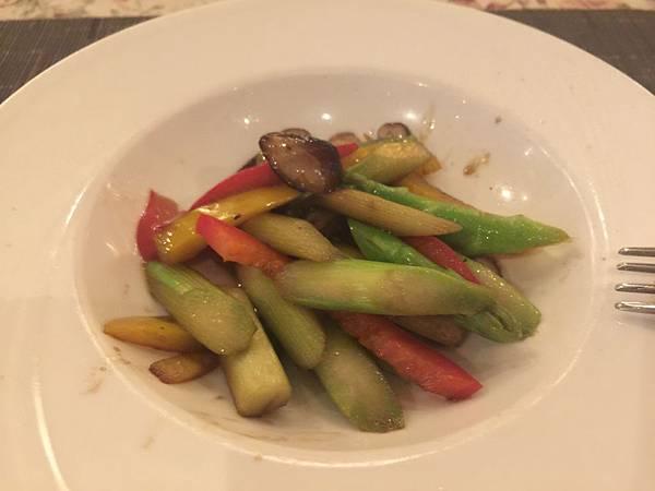 炒鮮菇綠蘆筍