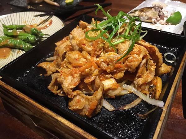 泡菜炒松阪豬
