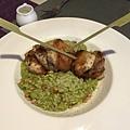 青醬松子燉飯搭香草雞肉