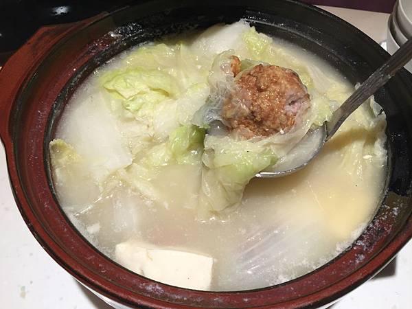 白菜獅子頭湯