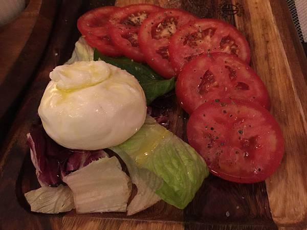 蕃茄水牛起司沙拉
