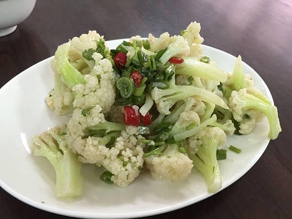 涼拌白花菜