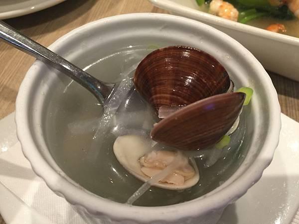 蘿蔔絲蛤蜊湯120元