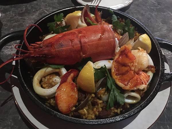 西班牙龍蝦海鮮飯