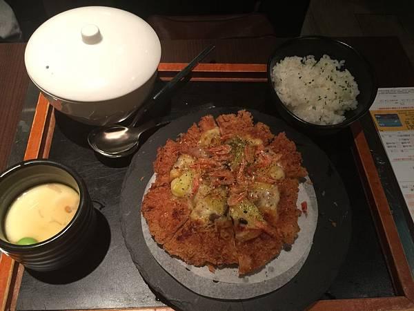 櫻花蝦披薩豬排