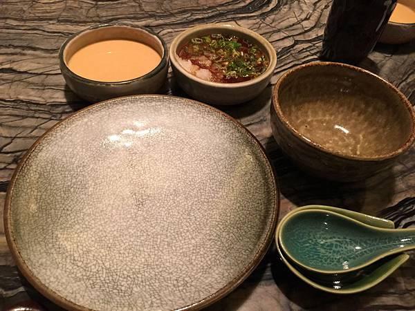 餐具&胡麻醬、水果醋