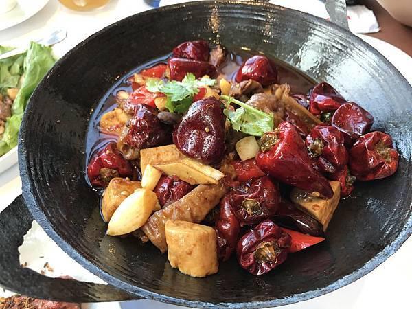 臭豆腐肥腸阿干鍋
