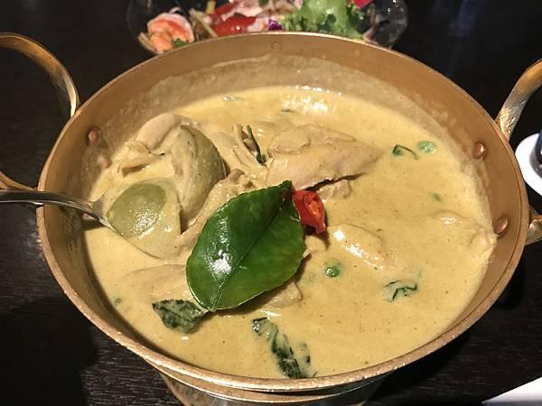 椰汁綠咖哩雞肉