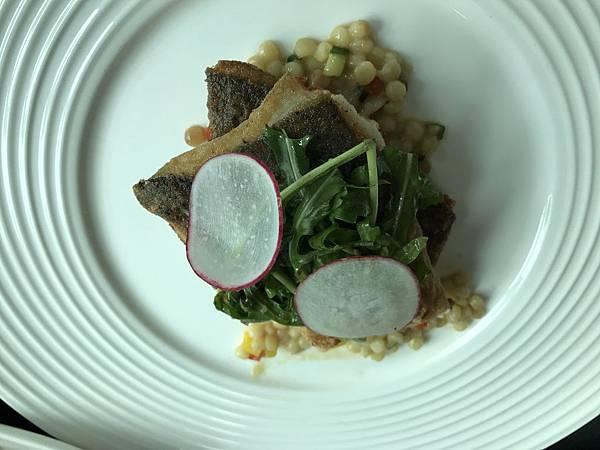 嫩煎野生鱸魚柳佐薩丁尼島珍珠麵