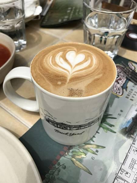 熱拿鐵咖啡