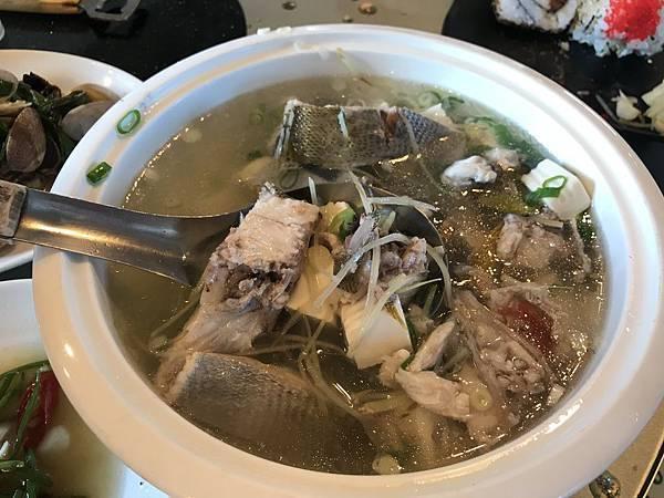 黃雞魚湯400元
