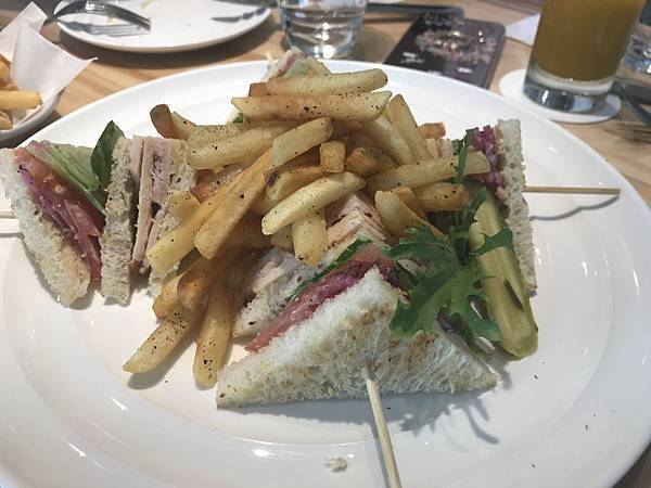 紐約總匯三明治,480