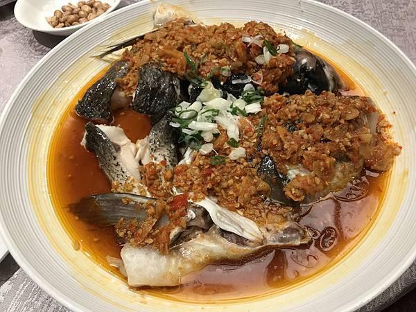 剁椒蒸鰱魚頭