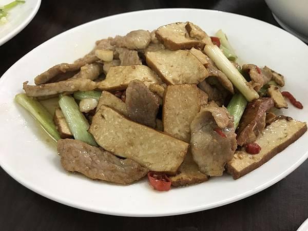 松阪豬肉炒豆乾,260元