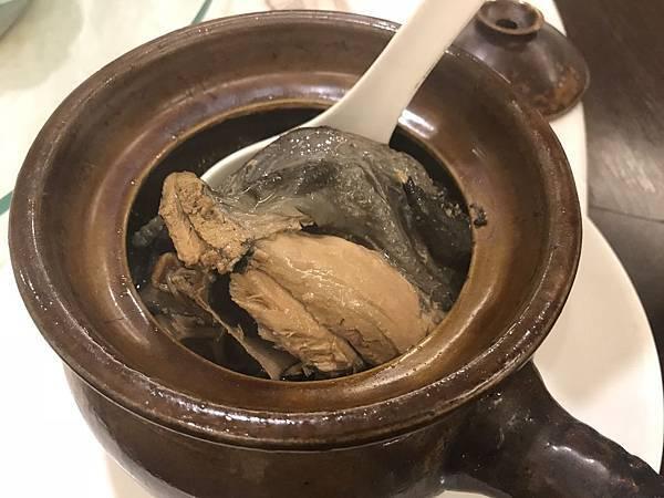 皇廷養生煨湯-巴西蘑菇煨烏骨雞