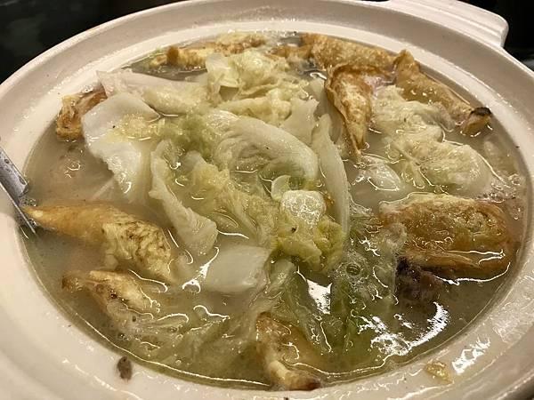 砂鍋土雞煲湯+手工蛋餃