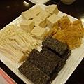 凍豆腐、豆腐皮、米血糕、金針菇