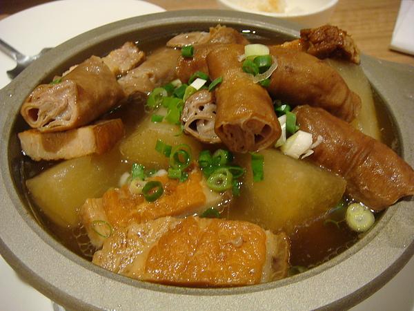蘿蔔豬腸煲